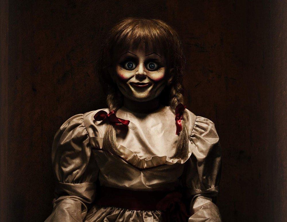 Картинки проклятая кукла анабель
