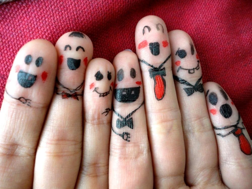 рисунки на пальцах ручкой
