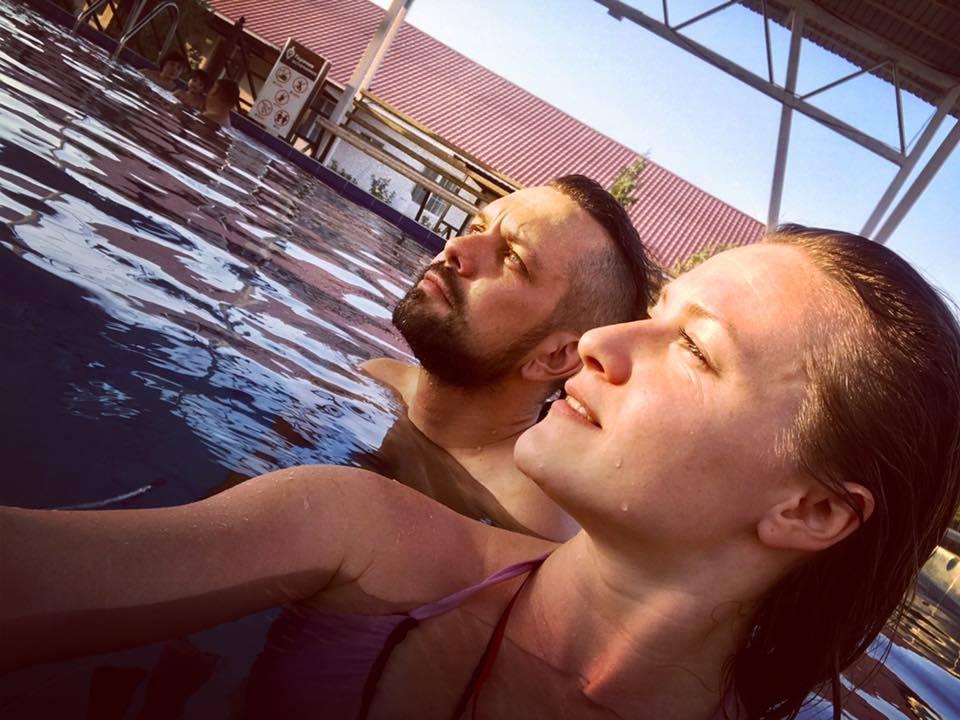 Андрей Гундарев (Алмазов) и Наталья Сорокина на горячих источниках в Чундже