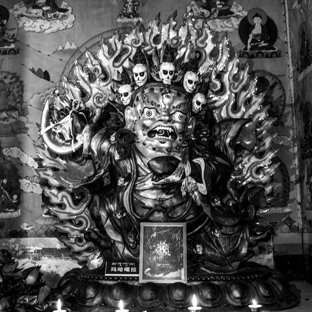 Восточный Тибет, монастырь Пангпхуг, статуя Махакалы