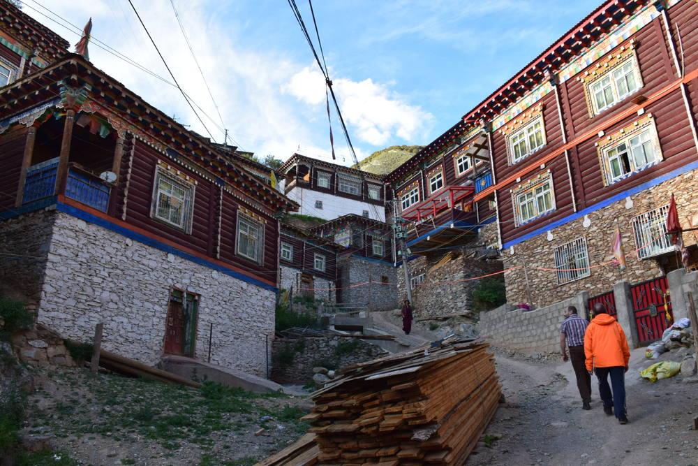 город Палюл, Восточный Тибет