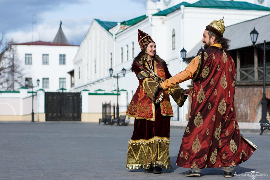 алматинский путешественник Андрей Гундарев (Алмазов) в Казани с царицей Сююмбике