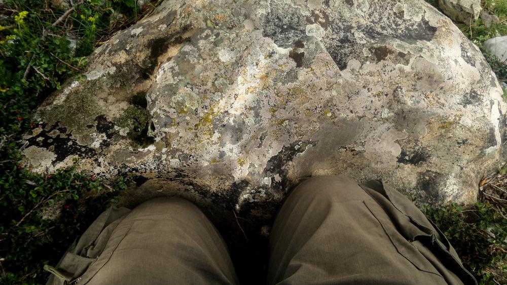 отпечаток колен Первого Кармапы, Гардзе, Восточный Тибет