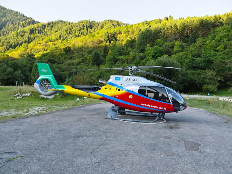 горный гид, вертолетные прогулки над горами