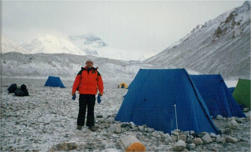 казахстанский альпинист Владимир Фролов в БЛ Эвереста.