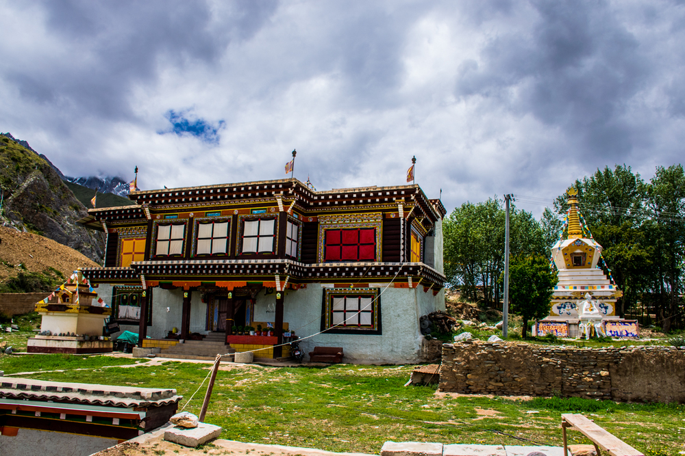 место рождения Первого Кармапы, Гардзе, Восточный Тибет