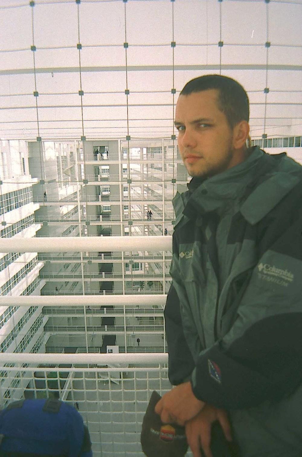 алматинский путешественник Андрей Гундарев (Алмазов) в Гааге год 2004