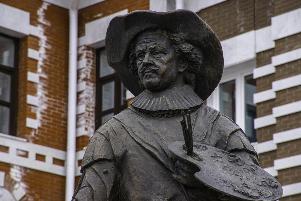 памятник Рембрандту в Йошкар-Оле