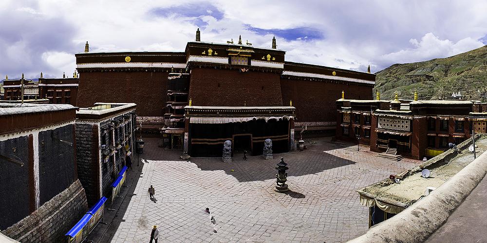 монастырь Сакья, туры в Тибет
