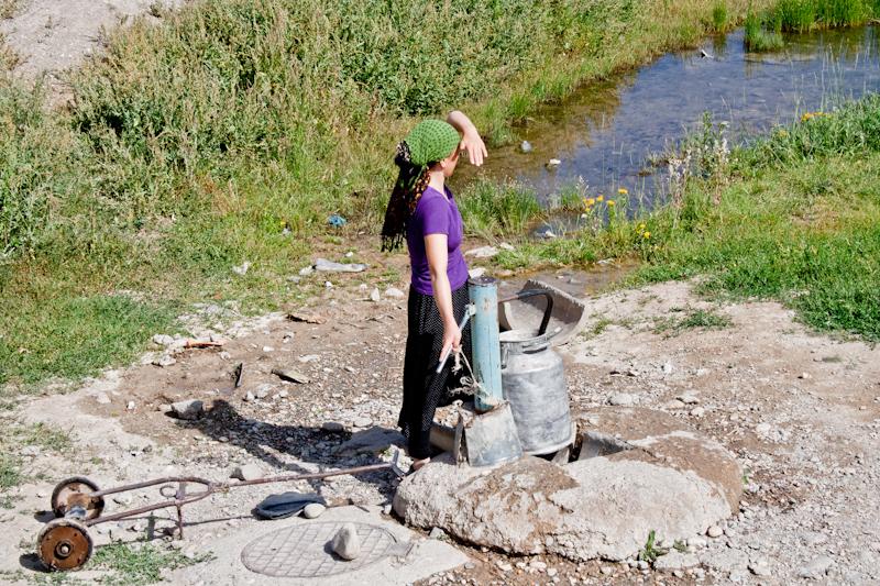 киргизская женщина в поселке Ат-Баши