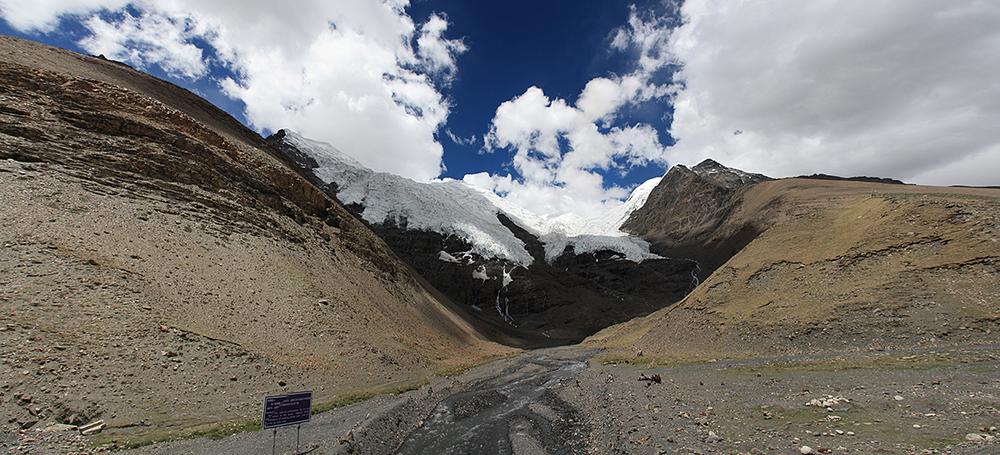 Семитысячник Нодзинг Кангтсанг (7191м) и ледник Каро-Ла