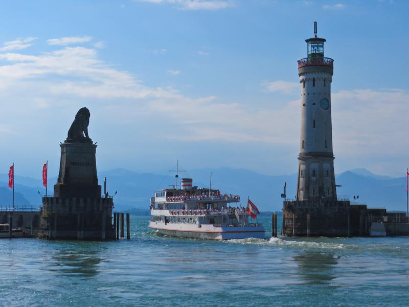 Баварский лев, маяк и гавань в Линдау
