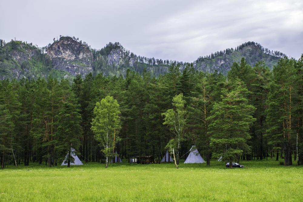 индейское стойбище в деревне Аскат, Горный Алтай