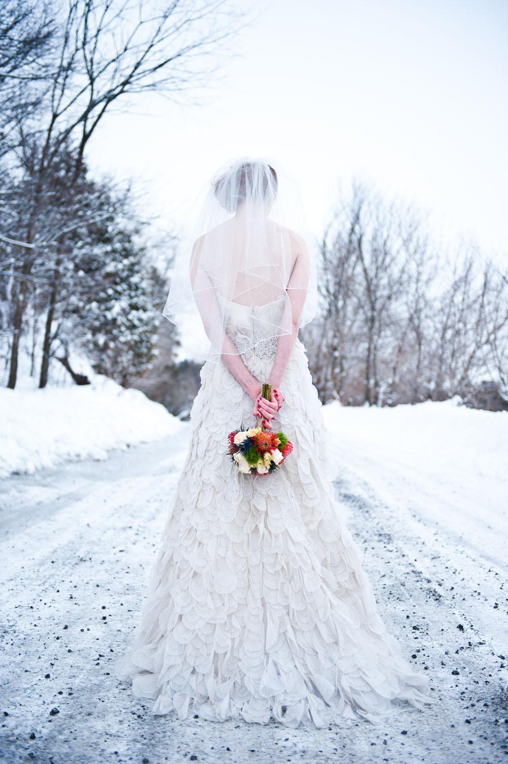 скорей оконце фото свадеб зимой со спины все