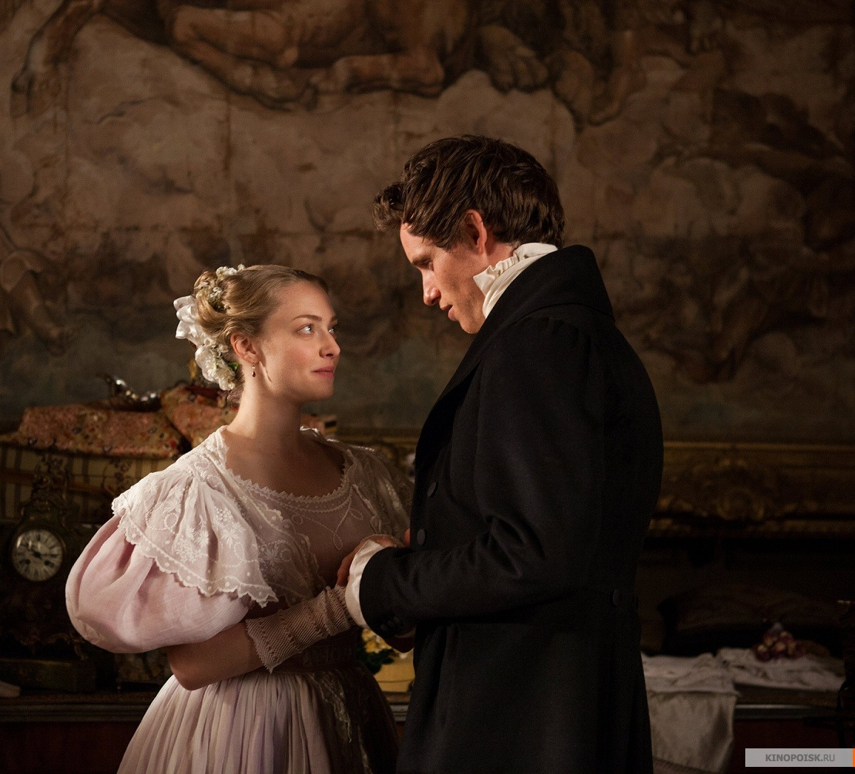 an evaluation of les miserables a musical drama film by tom hooper Nonetheless, considering the last off-stage version of les misérables was tom hooper's 2012 oscar-winning musical film, which starred hugh jackman, russell crowe, anne hathaway, eddie redmayne.
