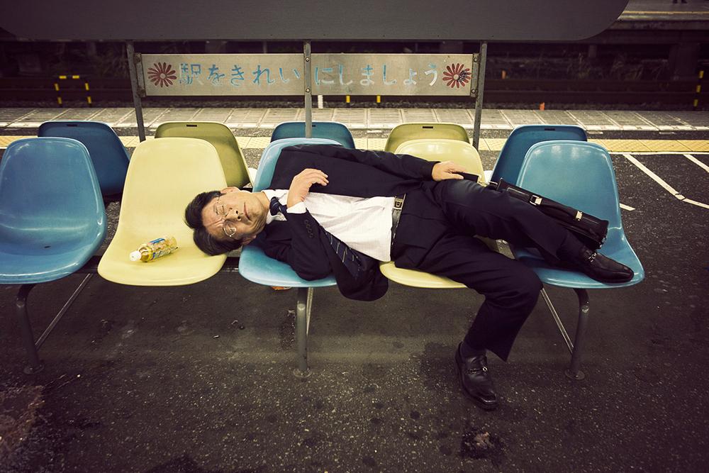 прикольные фото спящих людей на работе этого нужно