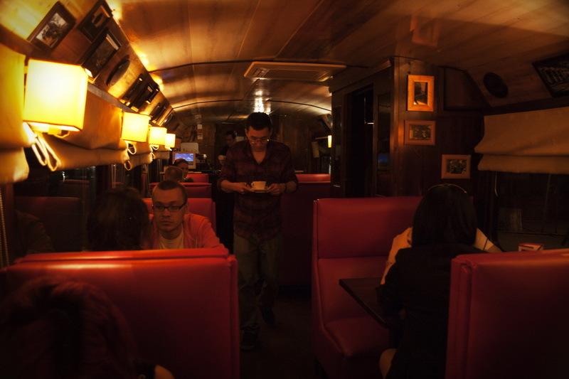 кофейня-трамвай, трамвай-кафе, алматы