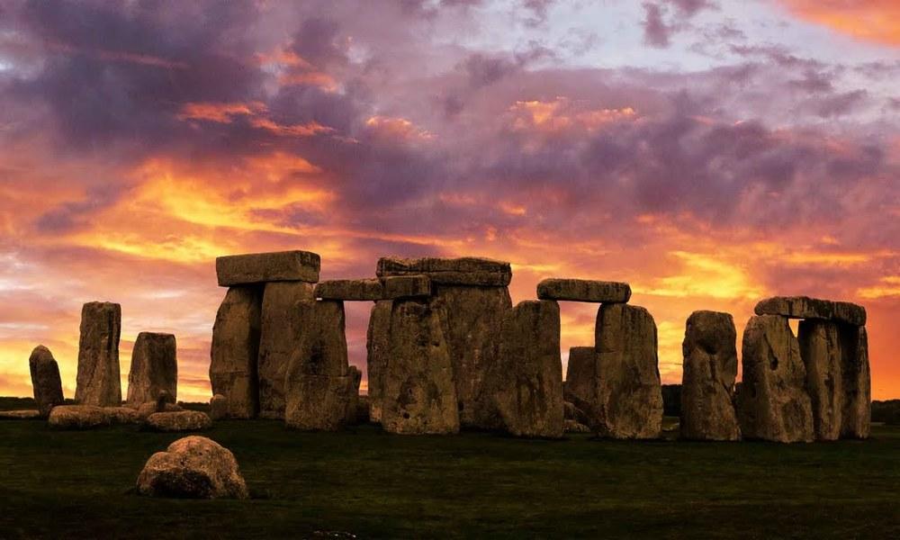Famous Rock Group, Stonehenge, Wiltshire, England  № 715567 без смс