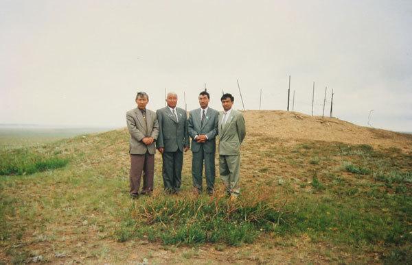 1998 год. Разрушенная могила Каракерей Кабанбай батыра