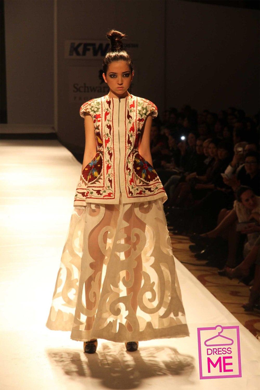 предварительным данным, платье в казахском национальном стиле фото фотография моя
