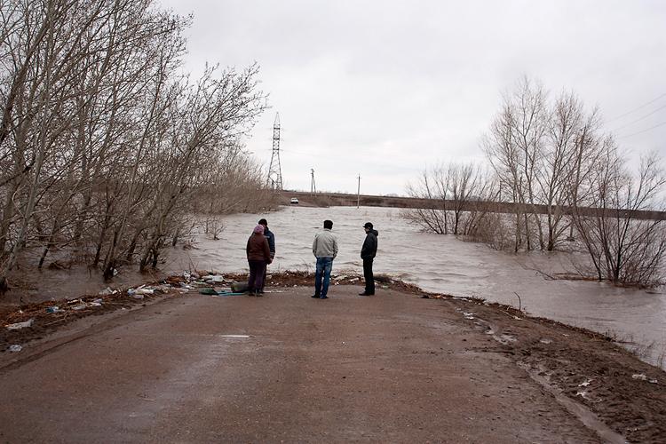 затопленая дорога на Асан